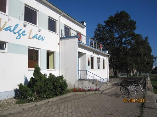Vårt hotell i Paldiski, Valge Laev, med tydligt nautiskt tema överallt. Vi fick kaptenshytten!