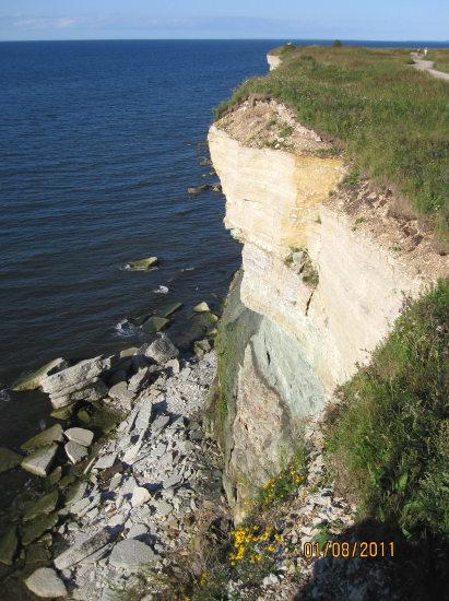 Klipporna vid udden utanför Paldiski.