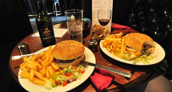 En mycket typisk pubmiddag, detta var precis vad vi behövde!