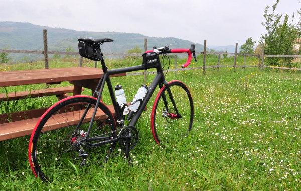 Jo det går alldeles utmärkt att cykla cross (på asfalten) uppför Italienska berg.